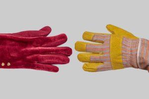 Fluwelen handschoenen of stoere werkhandschoenen?